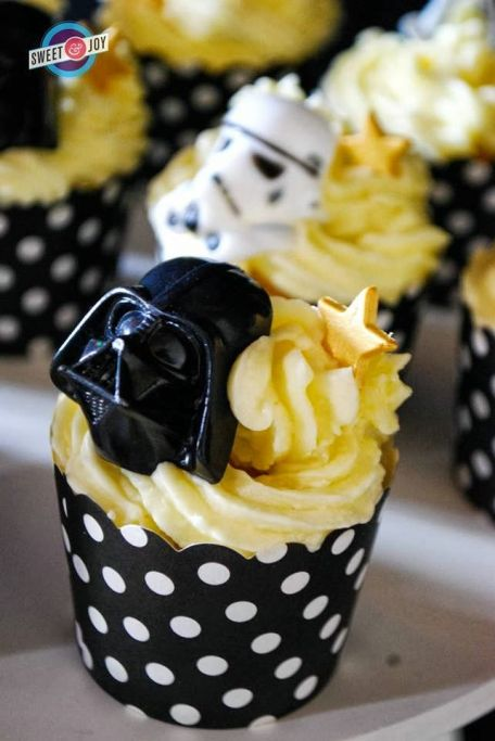 Darth Vader Cupcakes – spotted on Pinterest
