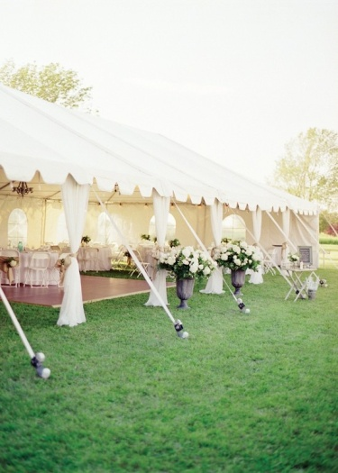 Open Reception Tent – spotted on Pinterest