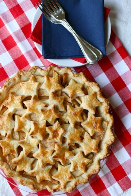Star Spangled Apple Pie – shared by Annie's Eats