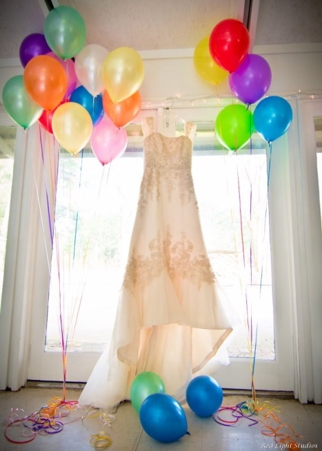 Wedding Dress and Balloons – spotted on Pinterest