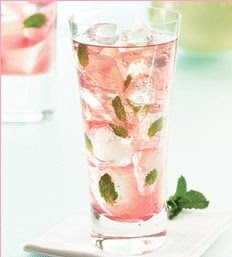 Raspberry Mojito – shared on Eat Drink Pretty