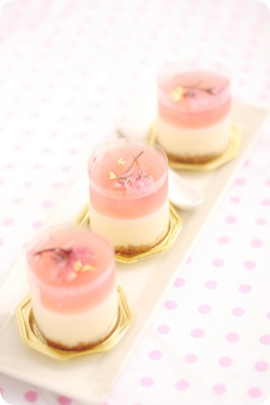 Mini Layered Cheesecakes – spotted on Pinterest