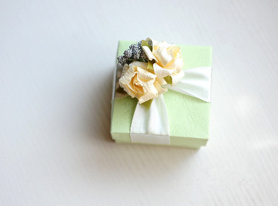 Light Green Candy Box / Party Favor Box – made by sweetywedding on Etsy