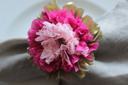 Gold, Raspberry and Pink Tissue Flower Napkin Rings – made by SouthernHoneysuckle on Etsy