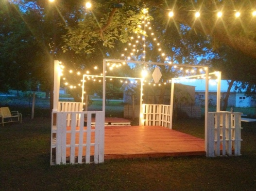 Pallet Dance Floor – made and shared by Sarah Figg on Pinterest