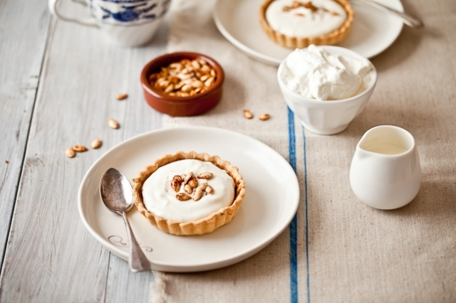 Drunken Pumpkin Bourbon Tart with Mascarpone Cream – recipe shared by Tartelette Blog