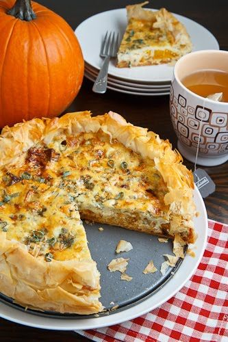 Roasted Pumpkin Quiche with Caramelized Onions, Gorgonzola and Sage – recipe shared by Closet Cooking