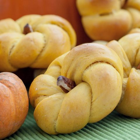 Savory Pumpkin Rolls – recipe by Flour Arrangements