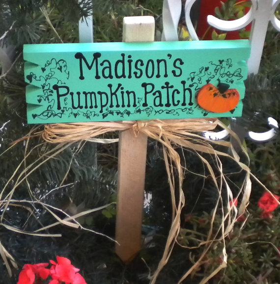 Custom Pumpkin Patch Sign – made by HenwithaHammer on Etsy
