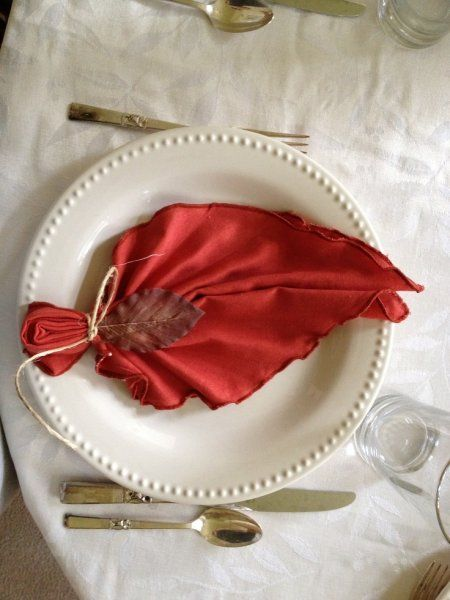 Napkin Leaf – shared in a roundup by Canadian Home Trends