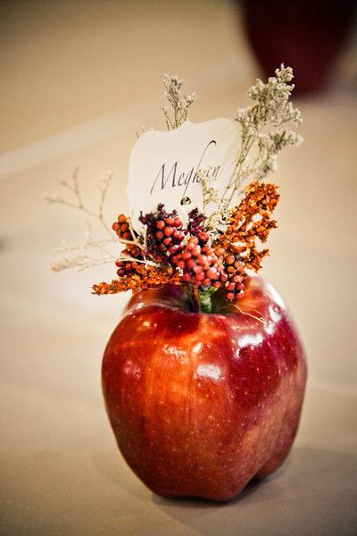 Apple Place Card – shared in a roundup on Curbly