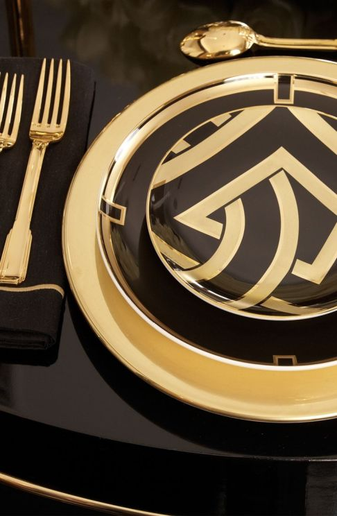 Black and Gold Art Deco Table Setting - spotted on Pinterest