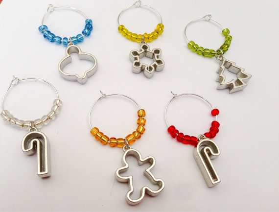 Christmas Cookie Cutter Wine Charms -made by LittleThingsByLaurie on Etsy