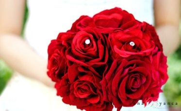 Elegant Red Velvet Roses Bouquet – made by lanabyancafloral on Etsy