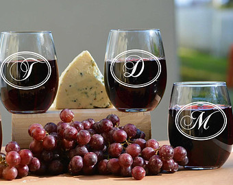 Personalized Modern Monogrammed Wine Glasses – made by UrbanLoftTampa on Etsy