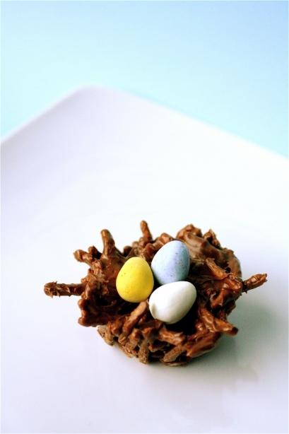 Birds Nest Treats – recipe shared by The Curvy Carrot