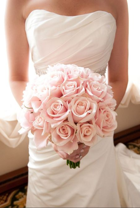 Light Pink Rose Bouquet – shared on Wedding Chicks