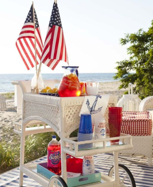 Patriotic Drink Cart – spotted on Pinterest