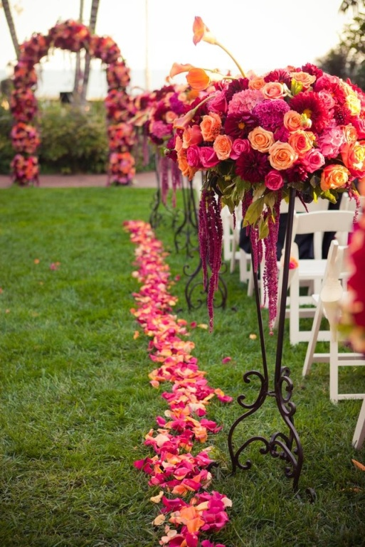 Wedding Aisle and Alter Decor in Orange and Pink Roses – shared by Celebrate Flowers and Invitations