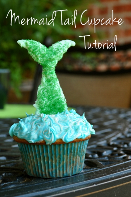 Mermaid Tail Cupcake Tutorial – shared by Mrs. Dork