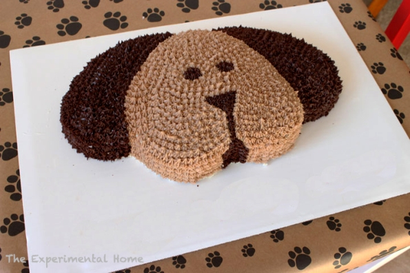 Dog Shaped Cake Tutorial – tutorial shared by The Experimental Home