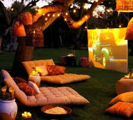 Outdoor Movie Party – spotted on Pinterest here