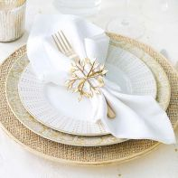Festive Christmas Table Place Settings – shared on Better Homes and Gardens