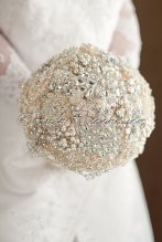 Pearl Brooch Wedding Bouquet – created and sold by RubyBloomsJewelry on Etsy