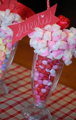 DIY Valentine's Day Table Candy Décor – tutorial shared by The DIY Dish