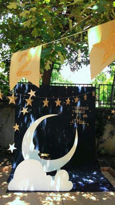 Star and Moon Photo Booth and Props – spotted on Pinterest