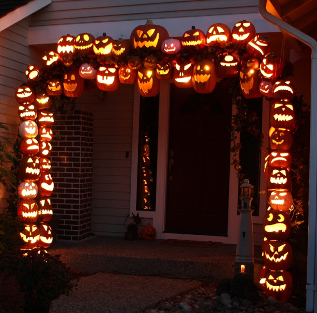DIY Illuminated Jack-o-lantern Pumpkin Arch Tutorial – shared by Don Morin
