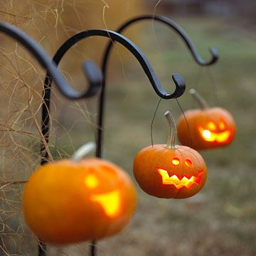 Jack-o-Lantern Hanging Lanterns on Shepherds Hooks – shared by Better Homes and Gardens