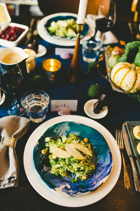 Blue and White Thanksgiving Place Setting – Décor Tutorial shared by The Kitchn