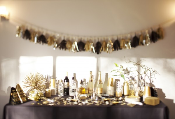 Modern Gold and Black Cocktail Bar – shared by The Sweetest Occasion