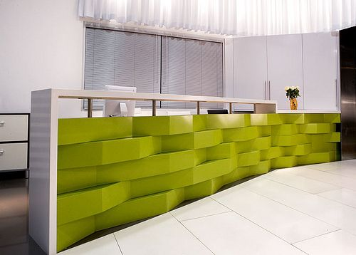 Modern Greenery and White Event Reception Desk – spotted on Pinterest