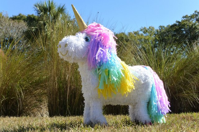 Custom Unicorn Pinata – created and sold by angelaspinatas on Etsy