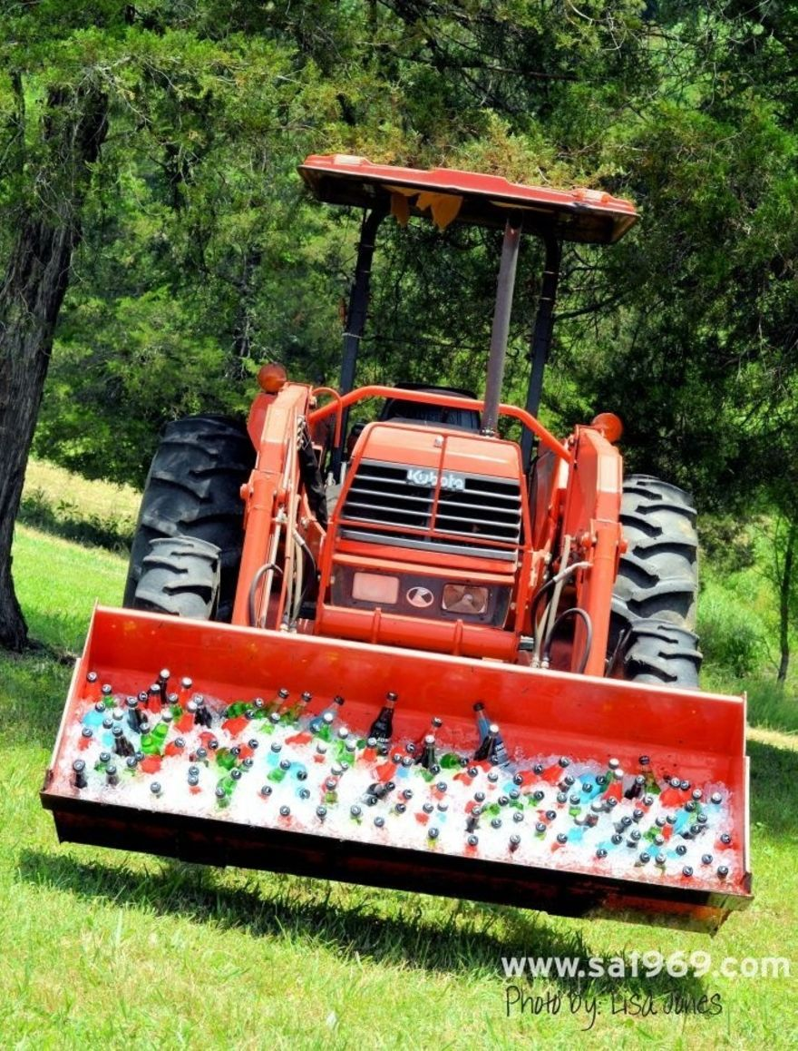 Tractor Drink Display and Bar – shared in a roundup on Deer Pearl Flowers