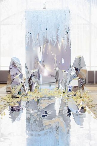 Mirror and Multi-Dimensional Mirror Sculpture Backdrop