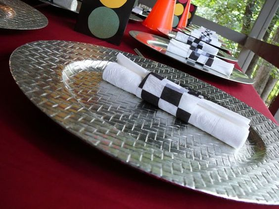 Car Themed Diamond Plate Charger and Place Setting